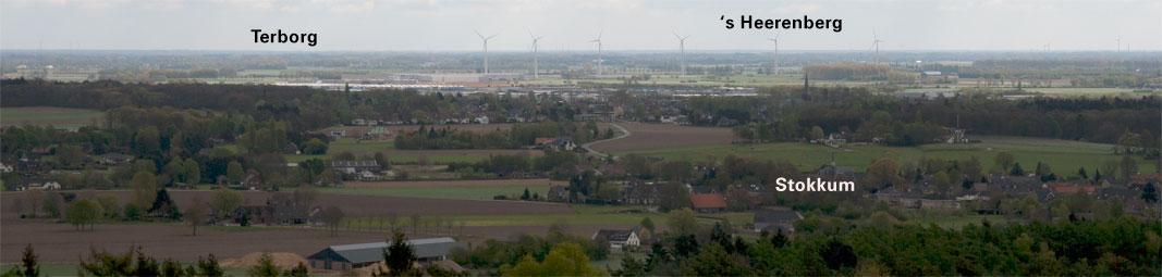 Uitzicht vanaf uitkijktoren Bergherbos richting Stokkum